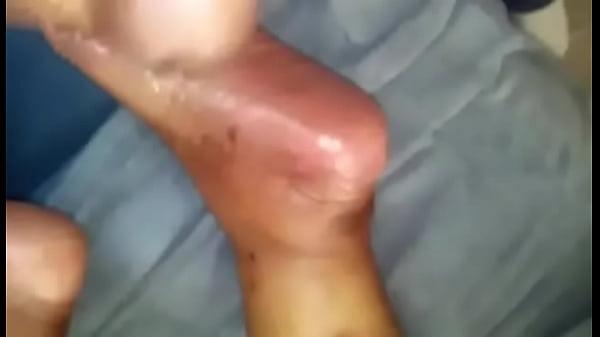 Попалась за мастурбацией видео