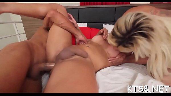 Hung black tranny Tameka jerks and cums