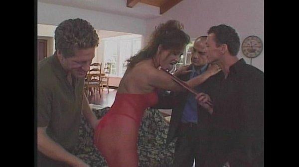 Видео парень делает массаж девушке а потом ебет ее русское