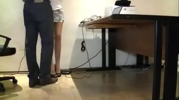 Порно соблазнительная секретарша