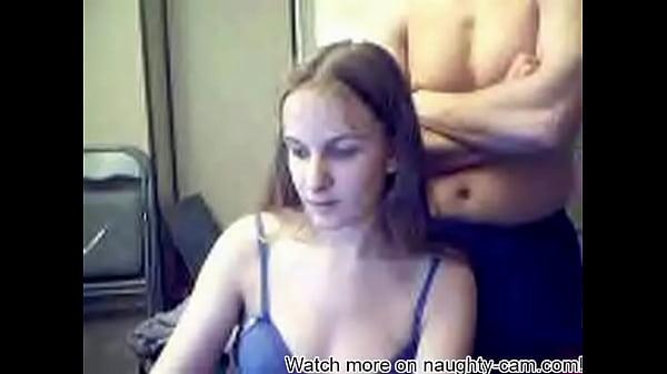 Лесбиянки сунут руки в жопу друг другу