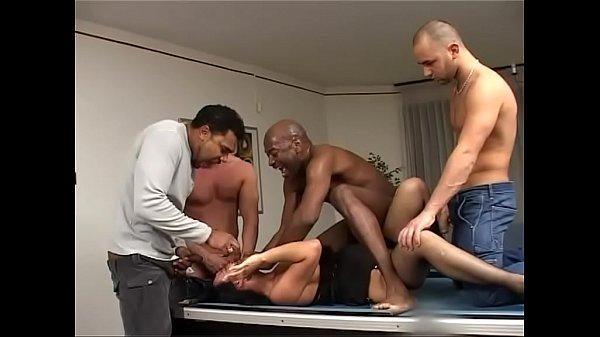 Зашла в гости к семейной паре порно