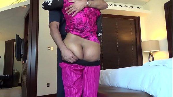 Fucking an Indian Aunty #2 – HornySlutCams.com