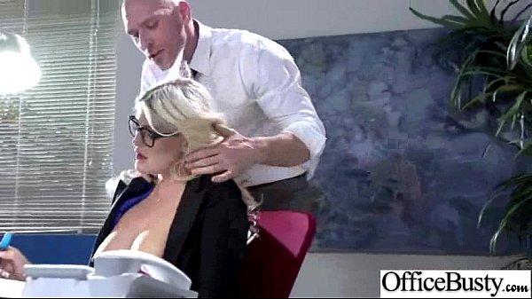 Скарлет со своим парнем занимаются чувственным и страстным сексом