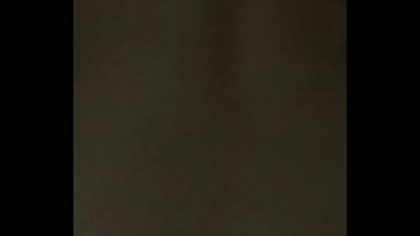 Влажная обнаженная грудь крупным планом видео