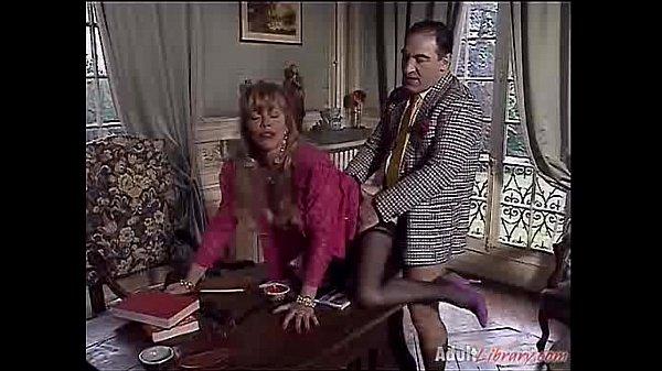 Порно видео девчёнки кончают струйкой