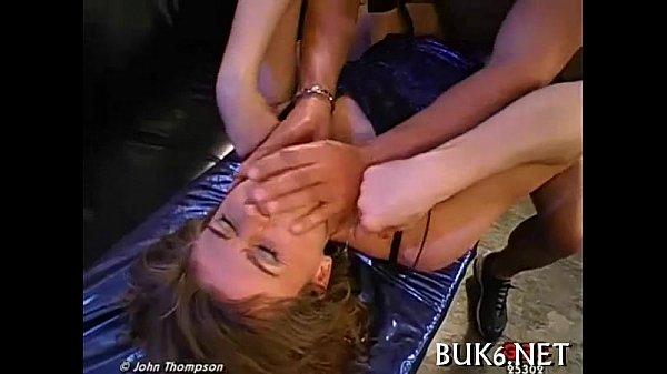 Женщина рассказывает о своих половых органах порно пидорам