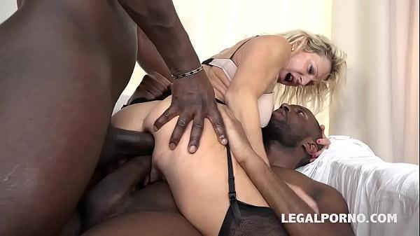 Порно онлайн бабка с большой жопой