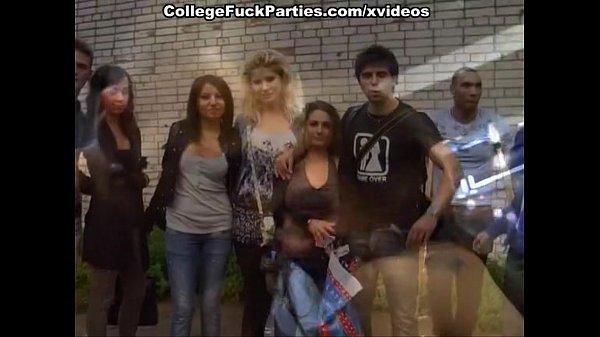 Групповая оргия на вечеринке русских студентов смотреть