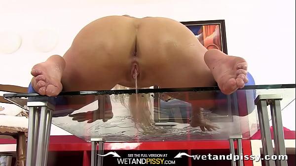 Онлайн видео мастурбация через одежду на веб