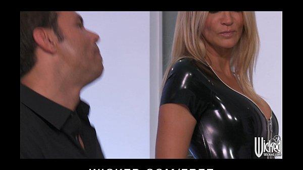 Latex fetish girls