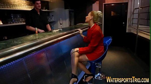 Старуха дрочит пизду на видео