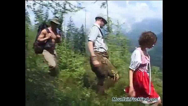 Видео трое на природе, веб порно видеочат знакомства