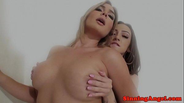Смотреть порно кончила от большого члена