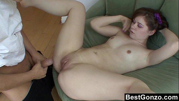 Секс удары по яцах
