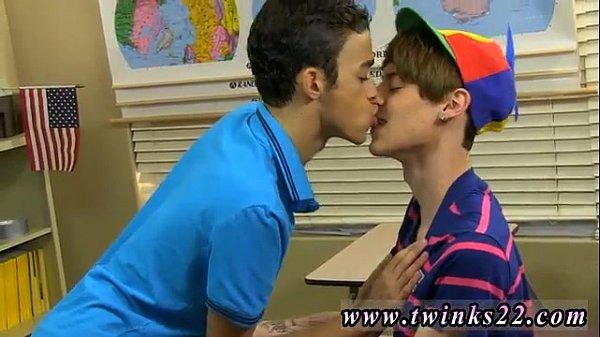 Молодые вкусные парни геи секс и порно