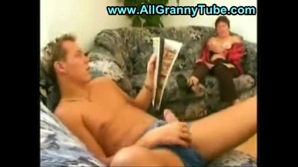 Толстая бабушка и внук порновидео