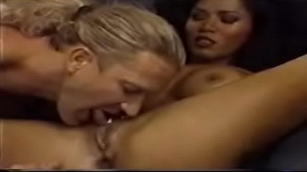 Sexy Lady Loves Cumming