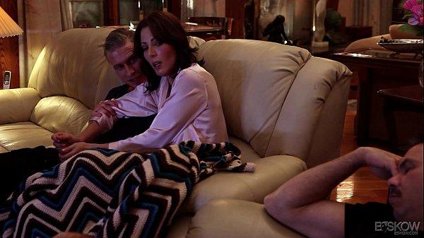 Porno Romanesti 2018 Iubitul Adoarme Si Ea Face Laba Amantului
