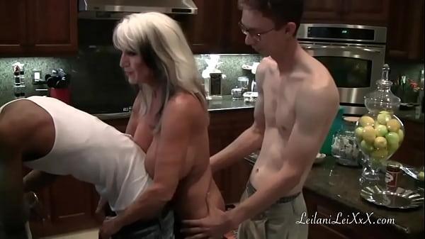 Casting Filme Xxx Cu O Mamica Care Acepta Sa Faca Sex Cu Doi Barbati