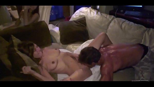 Смотреть групповое порно с окончанием в письку