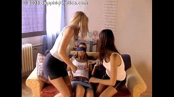 Еротика трое девушек