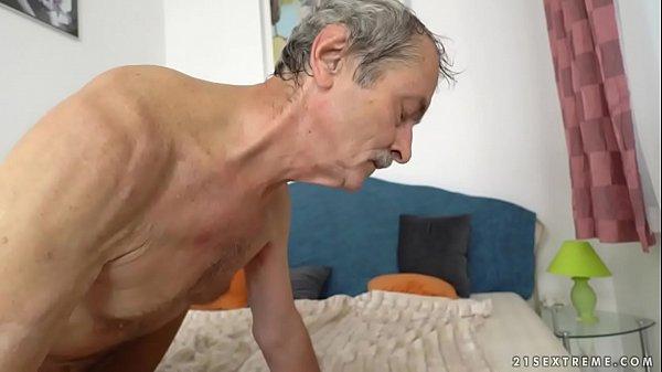 2 деда сосут у друг друга