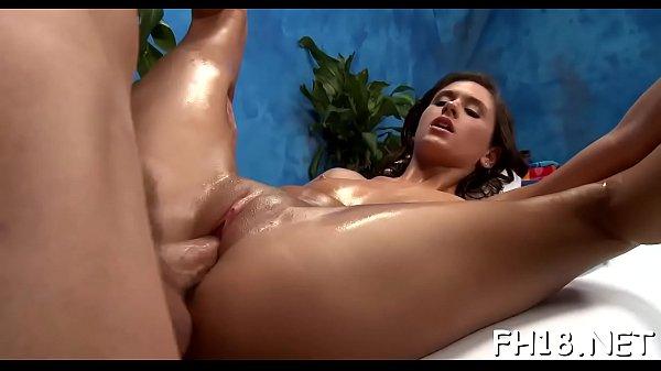 Смотреть порно мама сосет глубоко