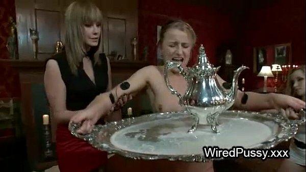 Смотреть порно с лесбиянками и электро страпом