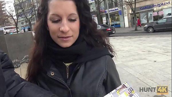 Чешка за деньги согласилась на секс