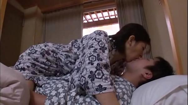 799หนังโป๊สาวใหญ่saoyaixxxเต็มเรื่องแม่บ้านมาเที่ยวกับลูกเลี้ยงแล้วแอบเย็ดกัน แนวครอบครัว