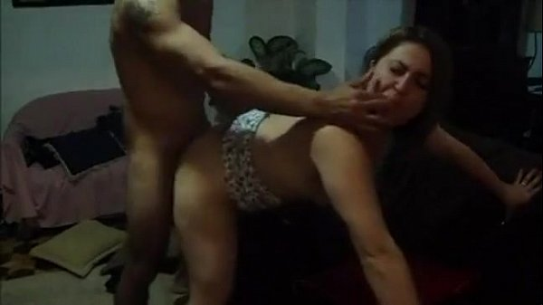 Зрелые волосатые бабы мастурбируют порно