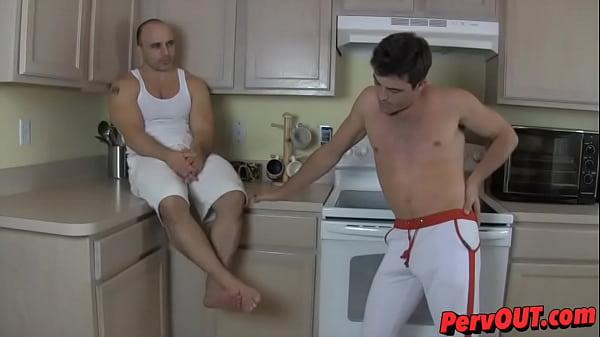 2018-11-11 15:57:00 - Tony has a foot licking roommate 1 min 14 sec  http://www.neofic.com