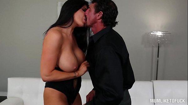 Busty American Milf Romi Rain Orgasms Hardcore From Deep Pussy Penetration
