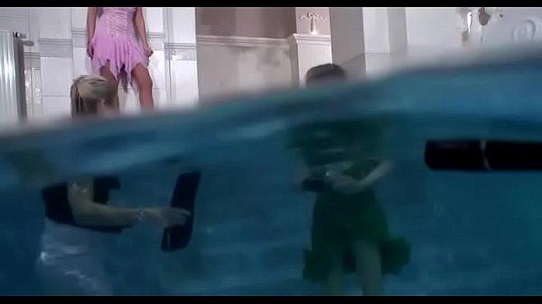 Девушки вдвоем видео стриптиз