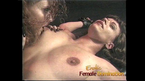 Смотреть зрелая лесбиянка отлизала писечку подруге