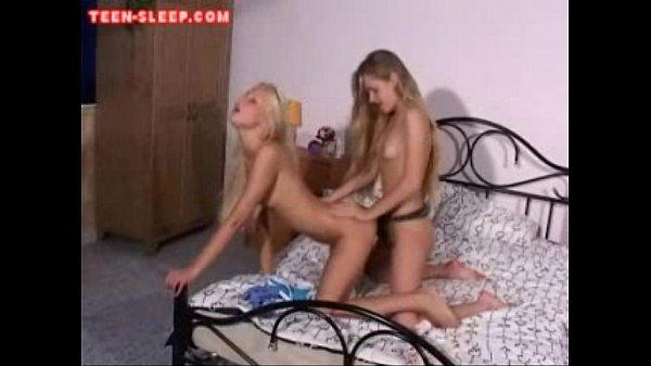 Лесбиянки со страпонами жесткое