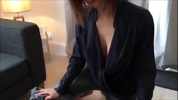 Красивая русская учительница занимается сексом