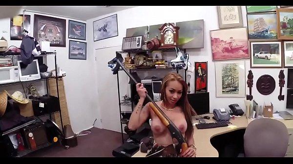 krupnim-planom-analnie-rastyagivaniya-onlayn-video