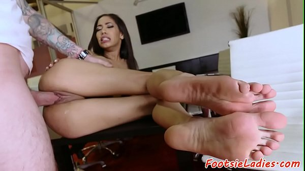 Busty Beauty Footworshiped And Fucked