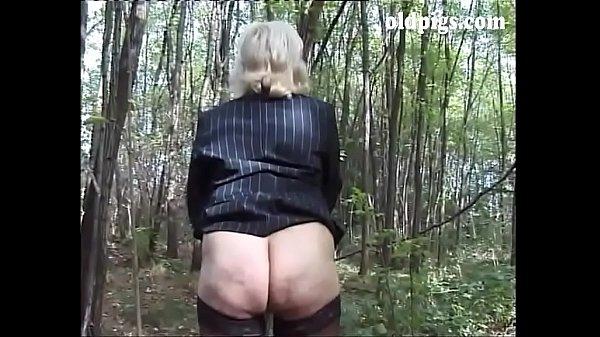 Porno granny pissing