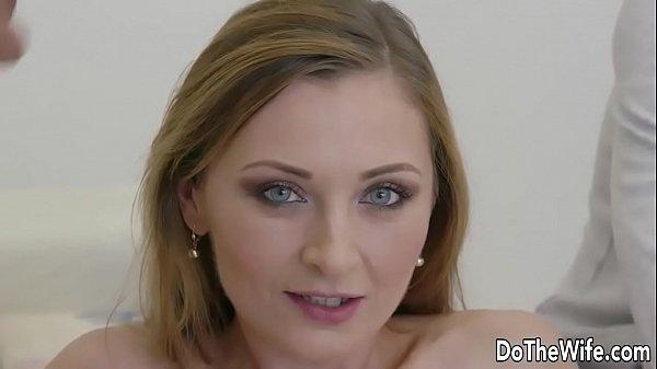 Секс жена пред мужем дает