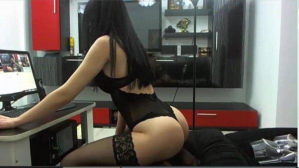 Порно зрелой женщины с молодым любовником
