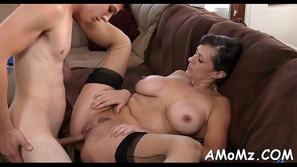 Порно со зрелыми женщинами и мамочками