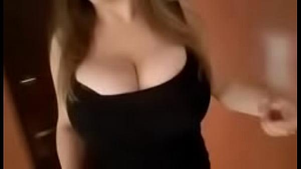 Жестко тискает большую грудь