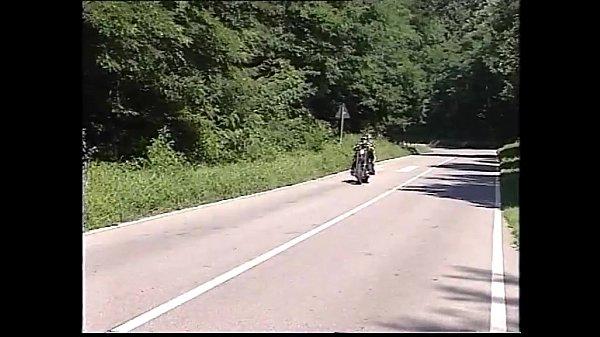 Outdoor bitch screwed by a biker