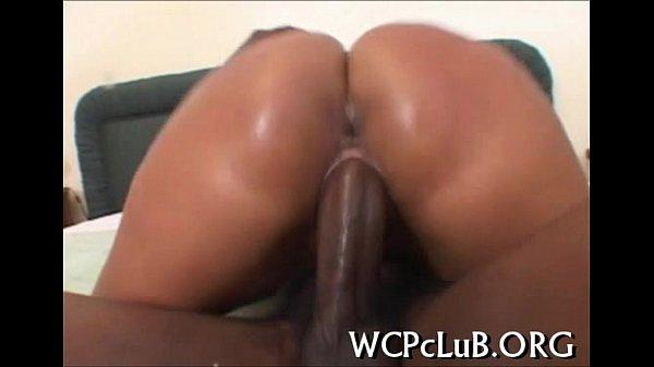 Порнуха ебут в рот жостко