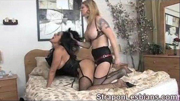 skanky-lesbian-anal-strapon-tube-amy-of-bentonville-amateur-porn