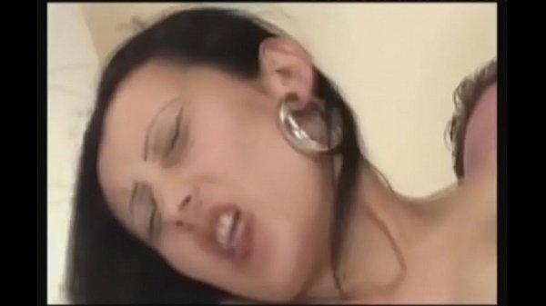 onlayn-video-porno-aktrisi-dolli-hardkor-kak-smotrit-devushka-na-huy