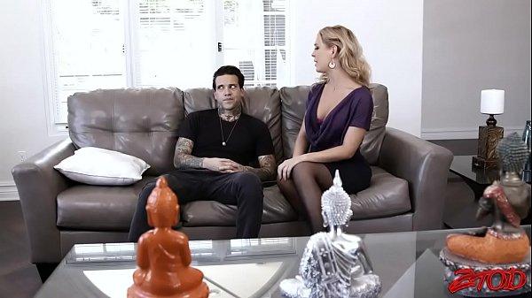 Смотреть порно сын трахоет мачеху